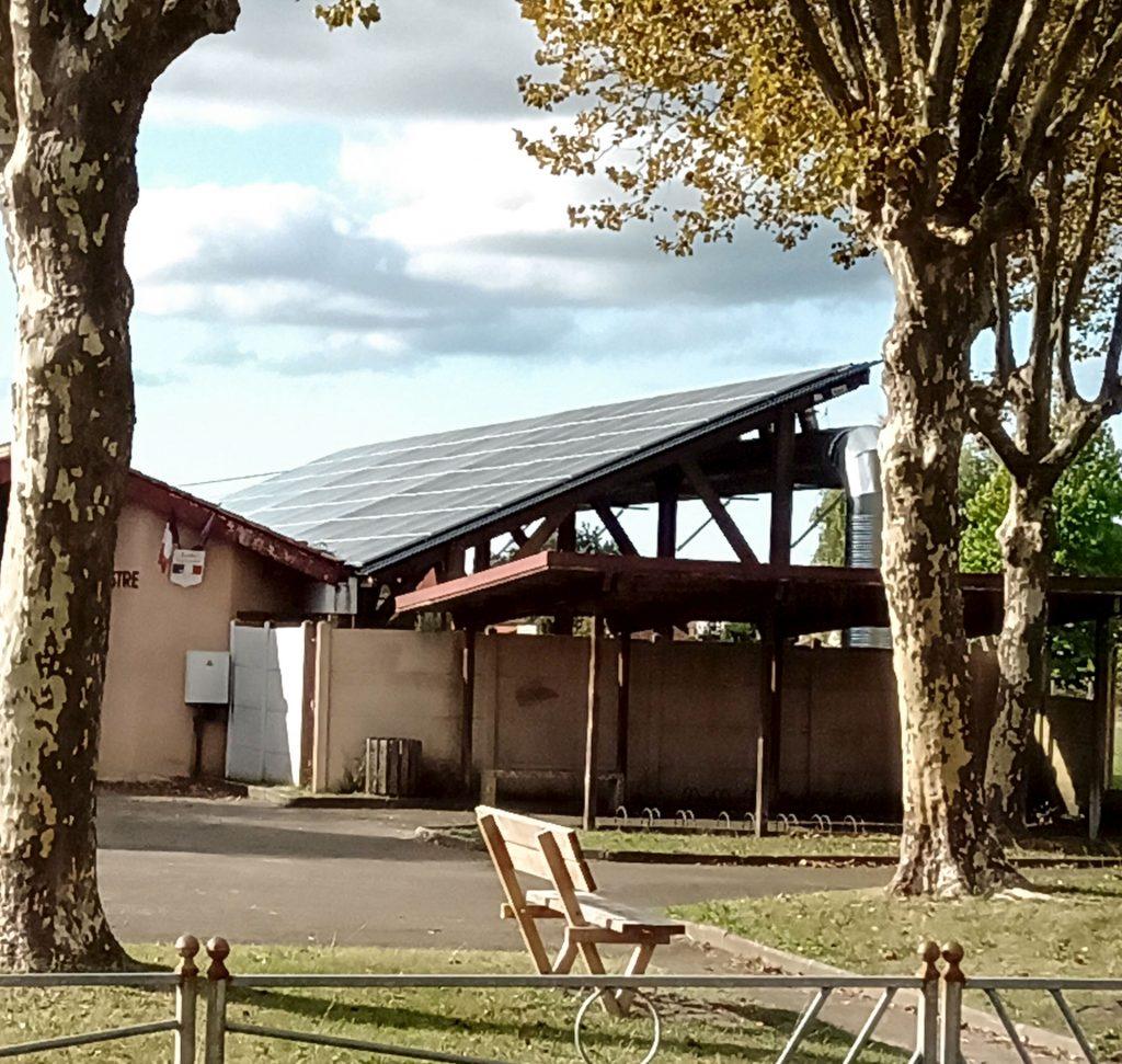 ombrière thermovoltaïque pour une école